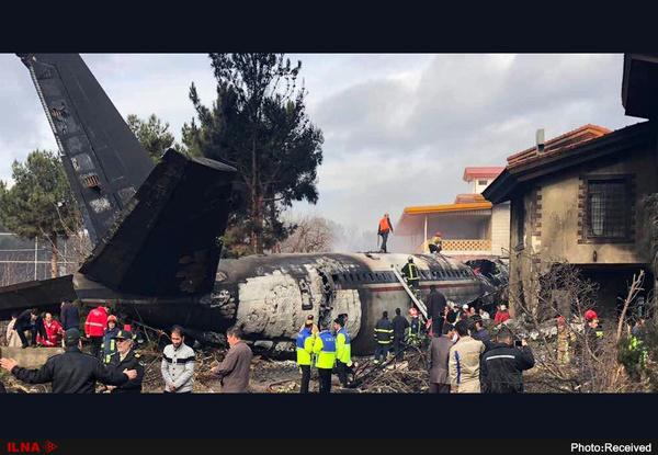 فوت 15 سرنشین هواپیما   هواپیمای سانحهدیده 16 سرنشین داشته است