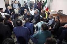 مردم عزادار ارومیه بی درنگ به منزل حجت الاسلام حسنی رفتند