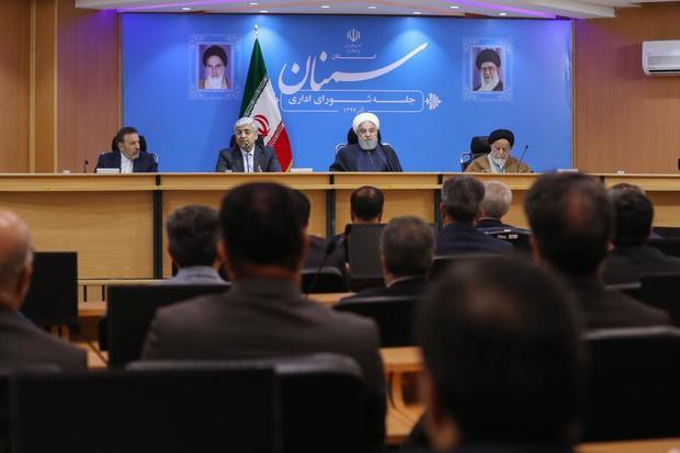 روحانی: آمریکاییها هر روز از طرق مختلف پیام مذاکره میدهند/ تصمیمات مهم سیاست خارجی در شورای عالی امنیت ملی مطرح و با رهبری معظم هماهنگ میشود/ اگر آمریکا تسلیم حق بشود، مذاکره میکنیم/ اگر اروپاییها بخواهند در رابطه با توان دفاعی کشور حرفی بزنند، برای