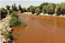 تغییر رنگ آب در بالادست زاینده رود مربوط به گل و لای است