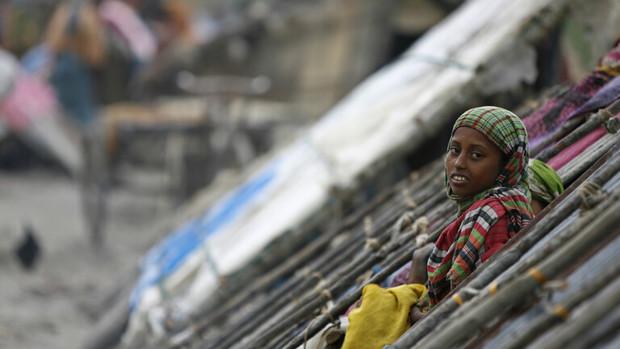 «بلبل» باعث فرار صدها هزار نفر در بنگلادش شد