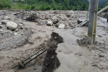برق و آب روستاهای سیل زده کردستان وصل شد