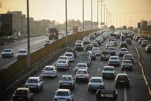 ترافیک در مسیرهای منتهی به تهران نیمه سنگین است