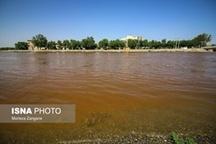 آژیر خطر زاینده رود! قرمز شدن آب و اثرات سوء بر محصولات کشاورزی