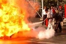 بخش عمده ای از آتش سوزی پتروشیمی آبادان مهار شد  تعداد مصدومین سه نفر گزارش شده است
