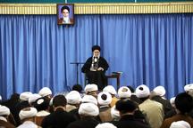 رهبر معظم انقلاب:  آنچه در خوزستان پیش آمد دل انسان را میخراشد/ رسیدگی به اینها وظیفهی مسئولین است/ این حرف که وضعیت فعلی نتیجه به فکر نبودن گذشتگان است، کافی نیست و مشکلی را حل نمیکند