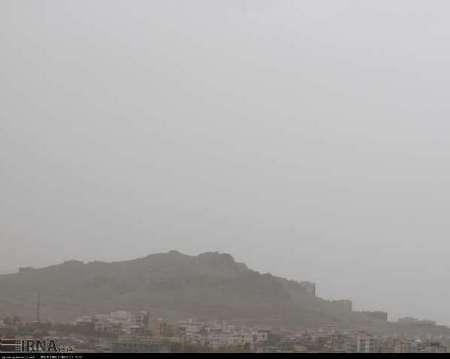گرد و غبار دید افقی در همدان را تا هفت کیلومتر کاهش داد