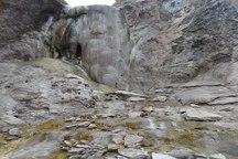 آبشار سفیده ندوشن پدیده ای جذاب در استان یزد