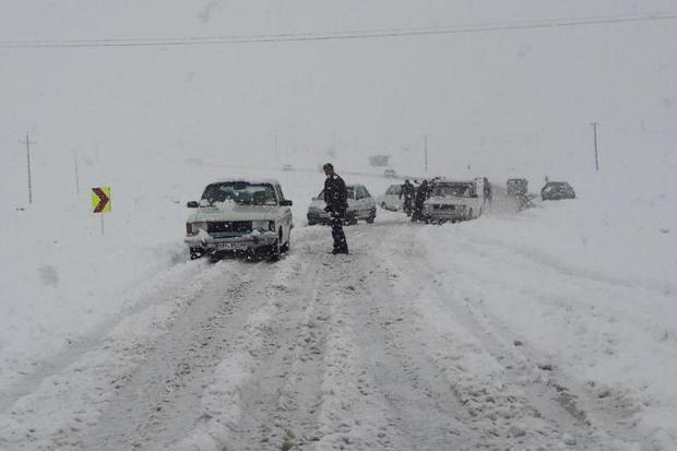 برف و کولاک غرب اصفهان را فرا گرفت