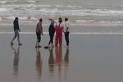 2 گردشگر نوروزی در ساحل گناوه نجات یافتند