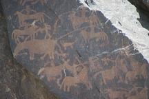 قدمت سنگ نگاره های ناهوک هزاره هشتم قبل از میلاد سنگ نگاره ها نمادی از آداب و رسوم نیاکان