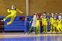 مسابقات هندبال نوجوانان دختر منطقه ۶ کشور در یزد آغاز شد