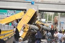 سقوط جرثقیل 60 تنی در تهران یک مصدوم داشت