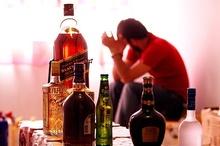 مطرح شدن رفع ممنوعیت مصرف مشروبات الکلی از روی ناآگاهی است