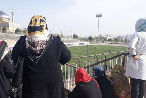 حضور زنان در ورزشگاه برای تماشای دربی امروز + عکس