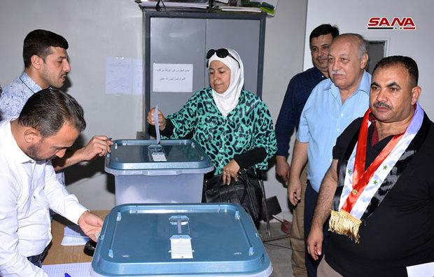 تصاویر/ آغاز انتخابات شوراهای محلی شهر و استان در سوریه