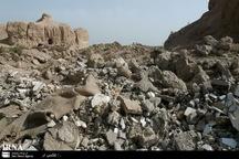 ده ها تن نخاله ساختمانی از پیکر قلعه ایرج پیشوا پاکسازی شد