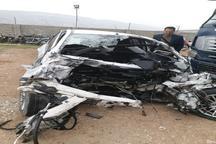 تصادف تریلر با خودرو سواری در چرداول یک کشته و 2 زخمی برجا گذاشت