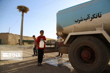 آب شرب ۱۰۰ روستای آذربایجانغربی با تانکر تامین میشود