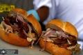 نماینده ای که به دلیل سرقت ساندویچ مجبور به استعفا شد+ عکس