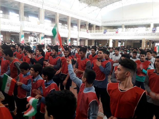 بزرگداشت سالروز ورود امام خمینی به ایران در گرگان برگزار شد