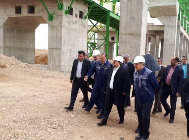 وزیر کار از روند انتقال کارخانه سیمان شیراز به خرامه بازدید کرد