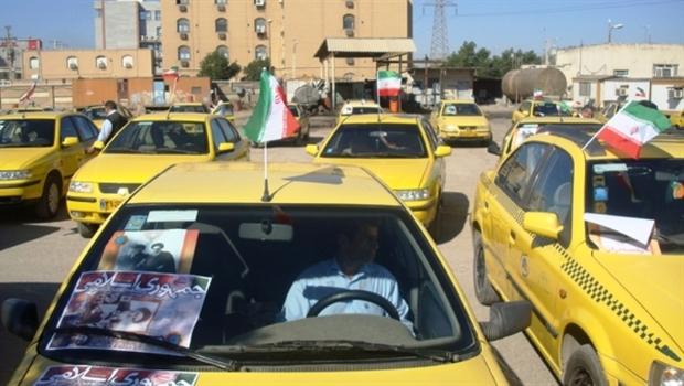رژه موتورسواران و تاکسی داران در همدان برگزار شد