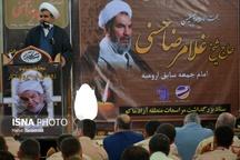 حجت الاسلام حسنی یک روحانی شجاع بود