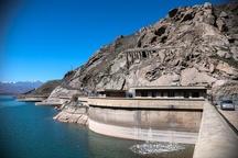 با برداشت های غیرقانونی از زاینده رود برخورد نمی شود  جاری شدن زاینده رود با کنترل برداشتهای غیرقانونی آب ممکن می شود