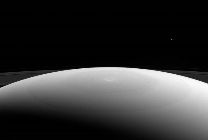 قطب شمال در سیاره زحل