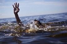 جوان خرم آبادی هنگام شنا در کیو جان باخت