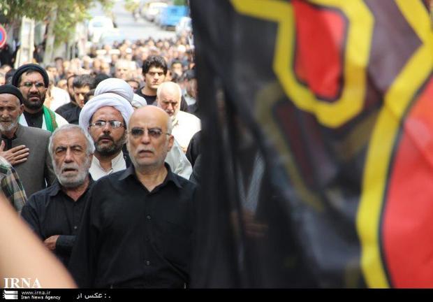 جنوب شرق تهران در سالروز شهادت حضرت زهرا غرق عزا و ماتم است