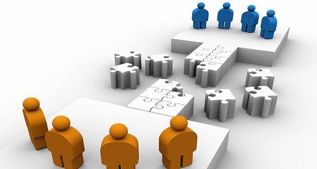 حضور پررنگ دولت در اقتصاد موجب خروج بخش خصوصی خواهد شد