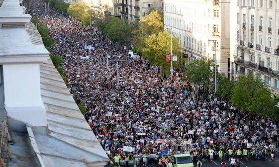 مخالفان دولت به خیابان ها آمدند+ تصاویر