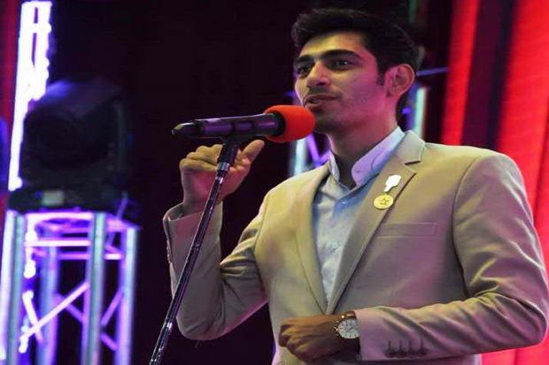 نشان ستاره صحنه جشنواره کرمان به مجری ارومیه ای رسید