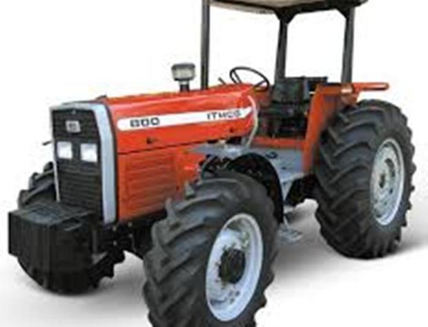 کشاورزان اردبیلی برای خرید ماشین آلات تسهیلات می گیرند