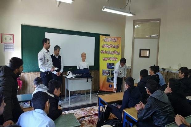 دانش آموزان مهابادی با خطرات چهارشنبه سوری آشنا شدند