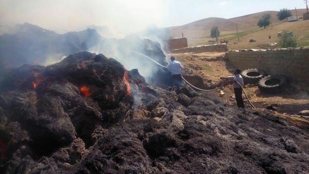 مهار آتش سوزی انبارعلوفه در روستای دیبکلو چاراویماق