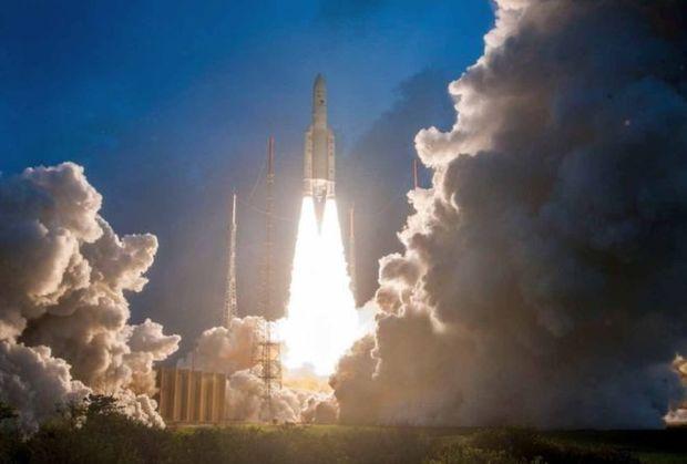 هند، موشکی با 14 ماهواره به فضا پرتاپ کرد