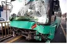 برخورد دو دستگاه اتوبوس واحد در خیابان لاله اصفهان 20 مصدوم داشت