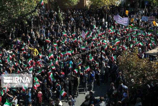 آمریکا از سرمشق شدن ایران در مقابله با استکبار نگران است