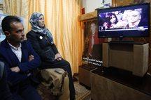 عکس/ پیگیری محاکمه قاتل از تلویزیون