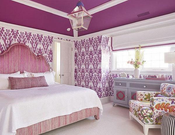 دکوراسیون اتاق خواب به رنگ ارغوانی و سفید