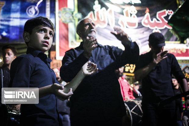 گزارش ایرنا از حسینیهای که میزبان غیرمسلمانان هم است