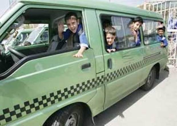 برخورد جدی پلیس راهور همدان با رانندگان متخلف سرویس مدارس