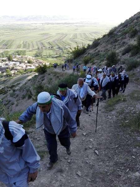 100نفر جباز  ایثارگر مانه وسملقان به قله تیغ بل صعود کردند