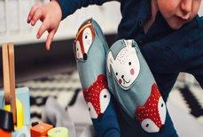 اگر می خواهید کودک خلاق تری داشته باشید، اسباب بازی کمتری به او بدهید!