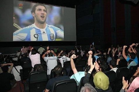 اعلام شرایط نمایش فوتبال در سینماها برای جام جهانی 2018
