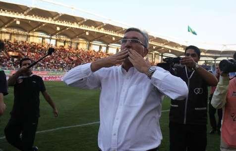 آتش بس بخاطر مردم و تیم ملی