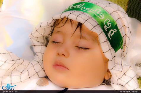 توصیه سید هاشم حداد به بردن قنداقه نوزادان در محافل عزای امام حسین(ع)